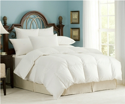 Get cozy under this down comforter filled with 650+ fill power, Hungarian White Goose Down.