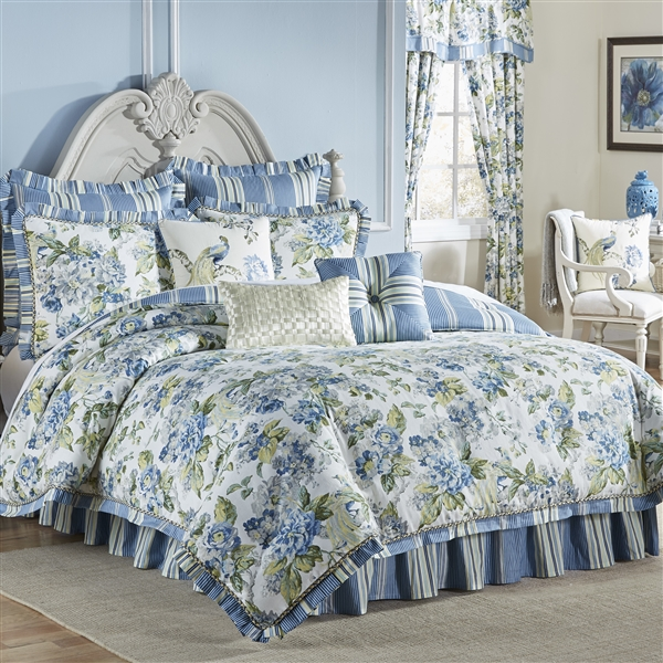 Luxurious Ornate Floral Green Blue Ivory Reversible Comforter